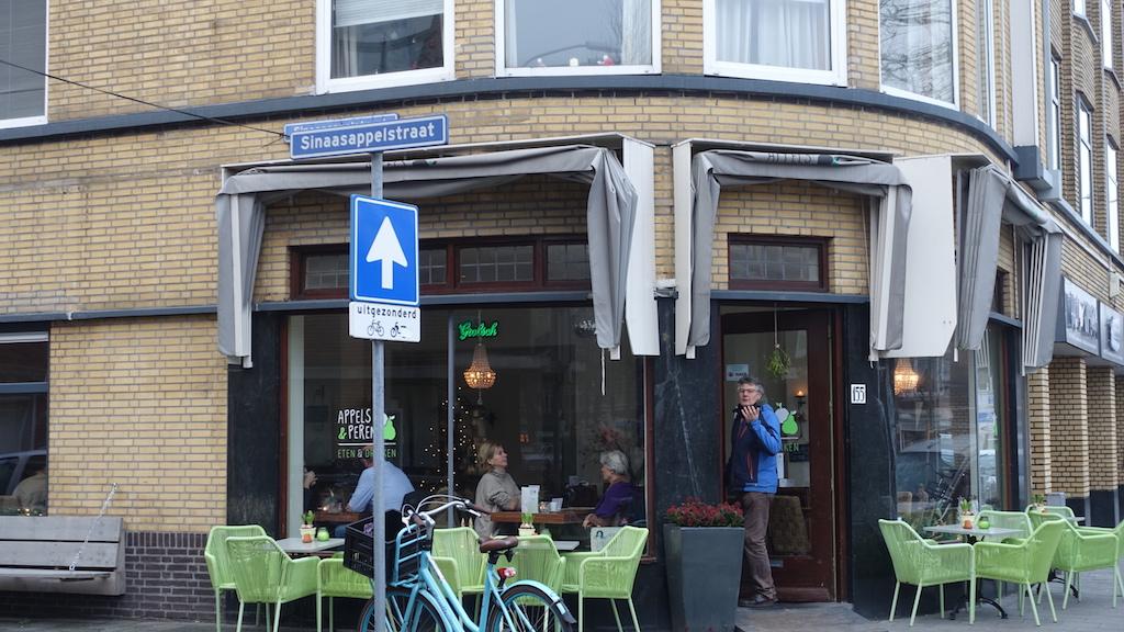 Het gezellige buurtcafé Appels en Peren.